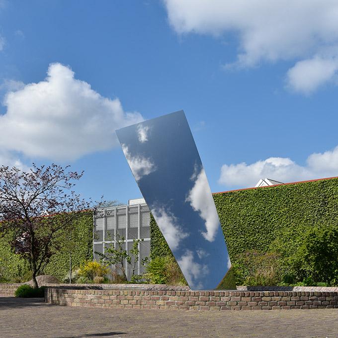 B&B-Tilburg, De Pontmuseum, Sky Mirror for Hendrik, Anish Kapoor