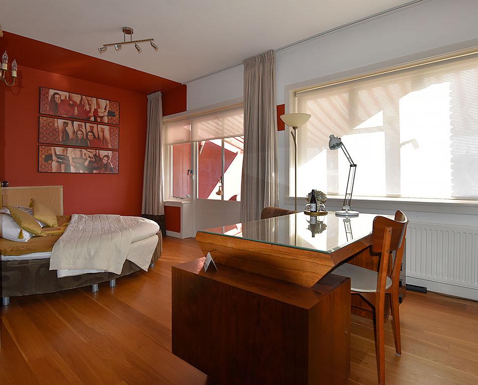 B&B-Tilburg Red Corner Suite, room overview