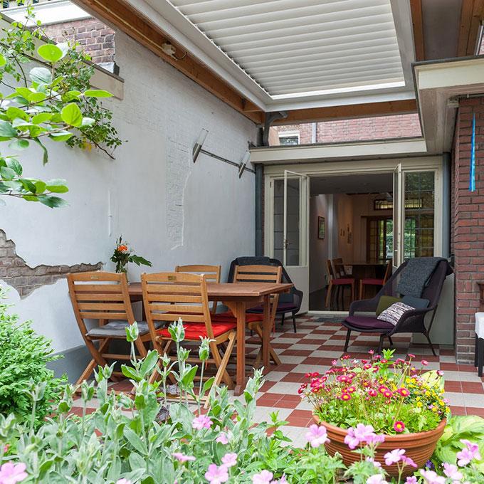 B&B-Tilburg Gust van Dijk patio aan de tuin