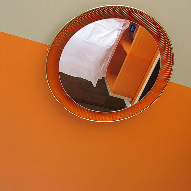 B&B-Tilburg Orange Submarine Room detail